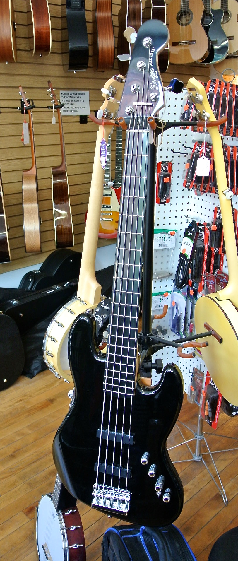 Used Squire DLX Jazz Bass Active V