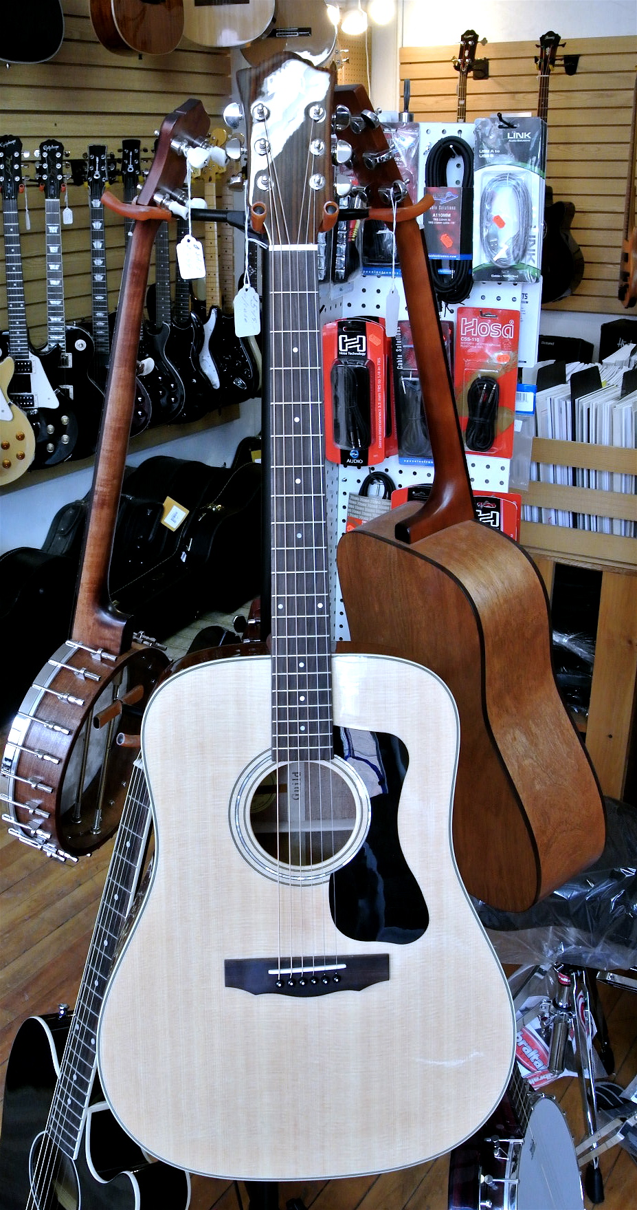 Used Guild D140